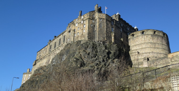 Edinburgh Castle, perched on top of the Early Carboniferous volcanic plug. Hard and steep, the old volcano makes it a natural place for defense works.