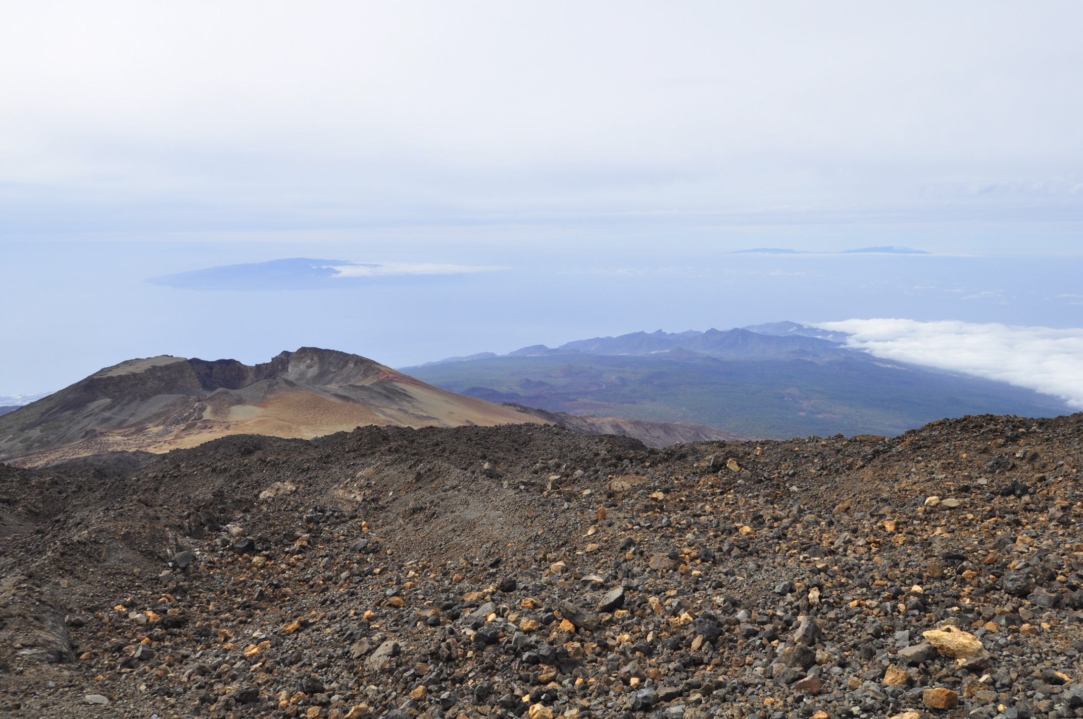 Looking down at La Gomera  and La Palma in the distance, from 3550 meters above the sea.