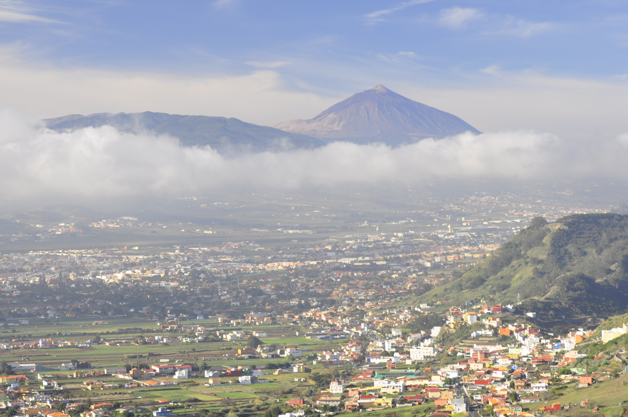 El Teide, towering high over La Laguna and Los Rodeos airport.